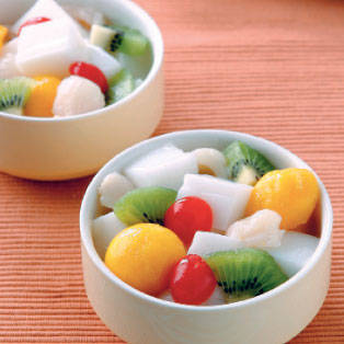 Almond Jelly with Fruits