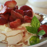 Easy Dessert Recipe for Pavlova