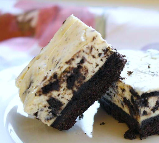 Oreo Cheesecake Bars | Easy Dessert