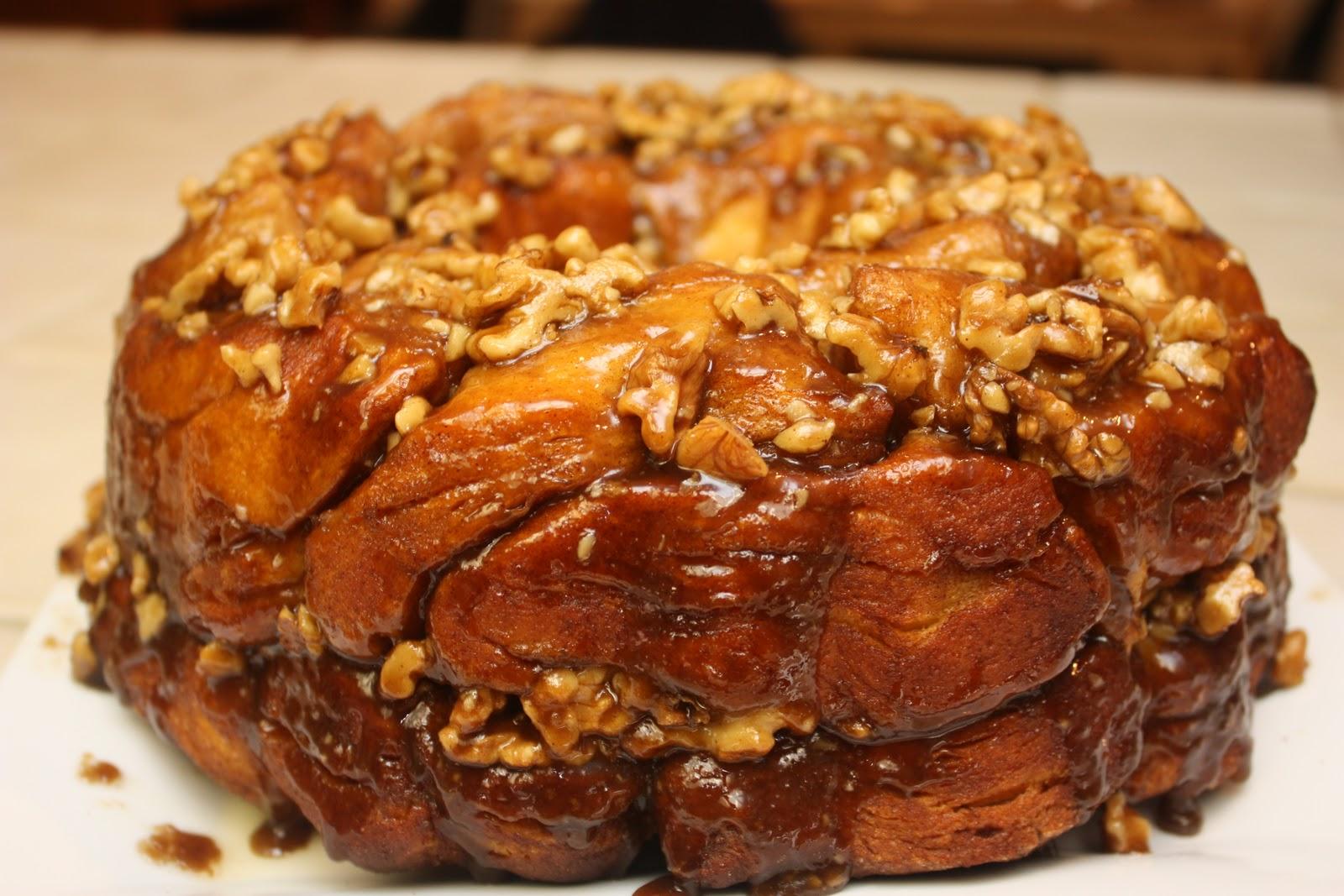 ... full recipe at http://www.easydessert.org/praline-pull-apart-bread