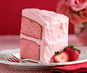 Strawberry Cake with Cream Cheese Frosting | Easy Dessert