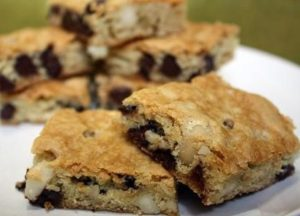 Chocolate Chip-Macadamia Bars