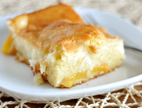 cheese. Here is an easy dessert recipe for Peaches and Cream Cake
