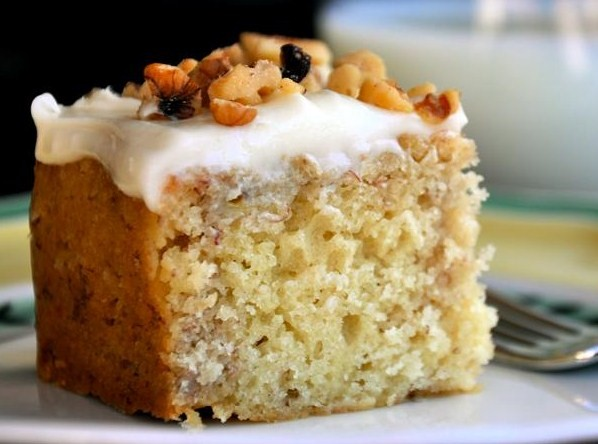 Cake With Cream Frosting : Walnut Cake with Cream Cheese Frosting Easy Dessert