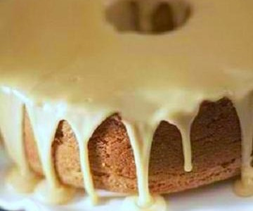 Angel Food Cake with Maple Glaze