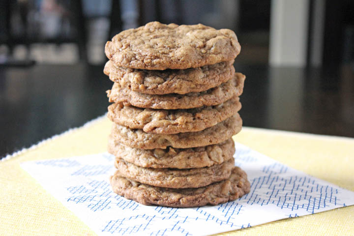 ... is a healthy and easy dessert recipe for Figs & Honey Oatmeal Cookies