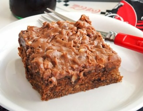 Cola Sheet Cake with Chocolate Pecan Frosting   Easy Dessert