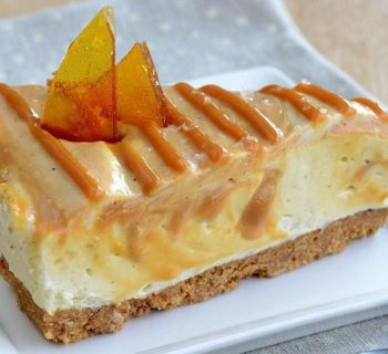 White Chocolate-Caramel Swirl Cheesecake